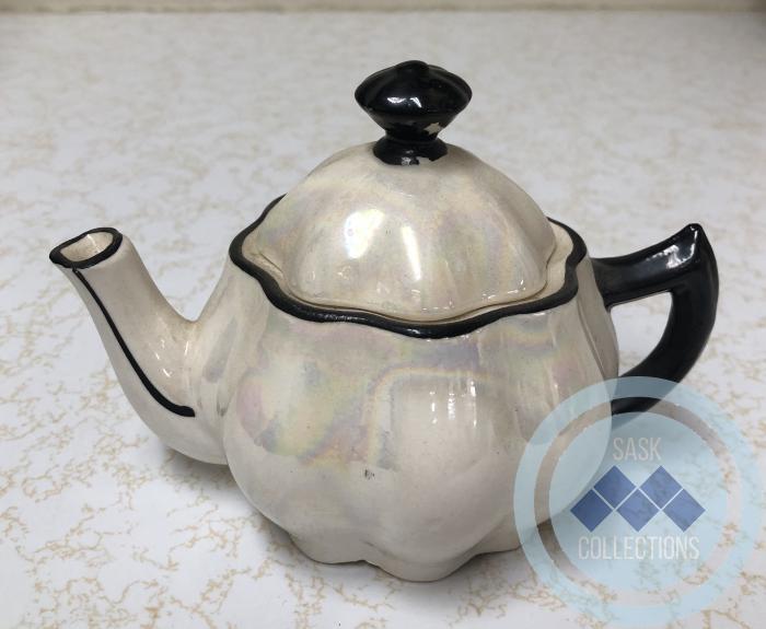 Tiny Tea Pot